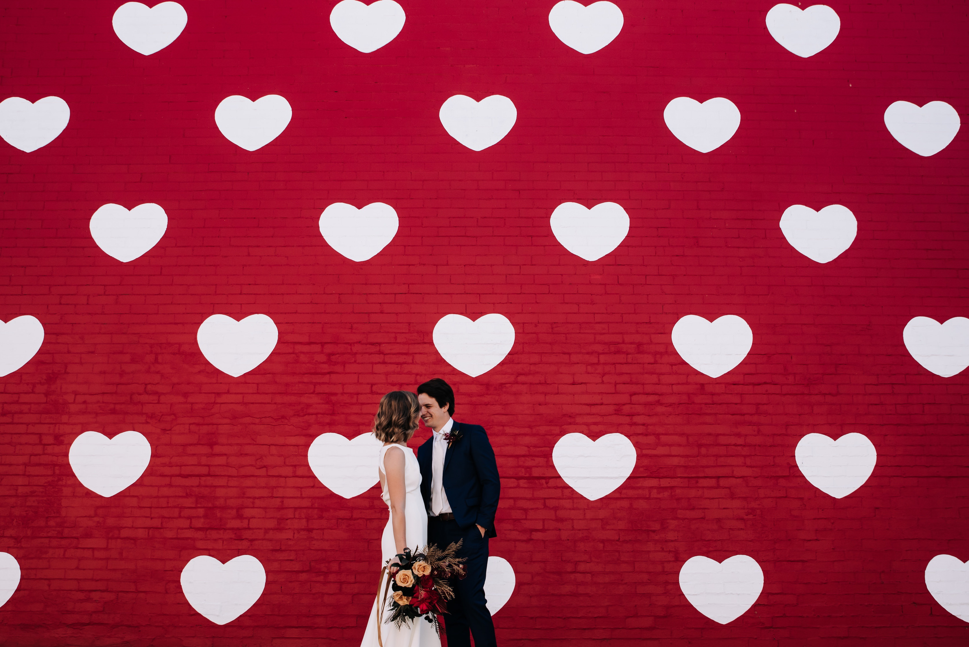 perth wedding photographer grafitti hearts wall 1